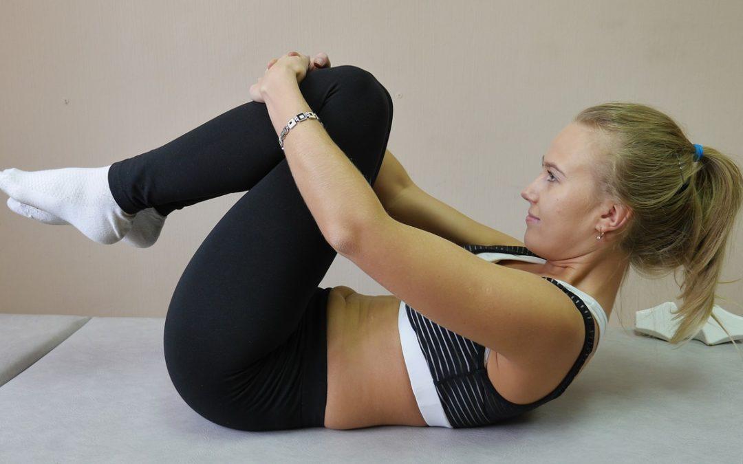 Pilates: Platta till Magen med Denna Dynamiska Bålträning